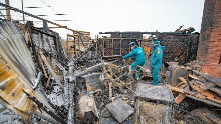 Огненное горе: трое человек погибли и столько же ранены при пожаре в Шахтах