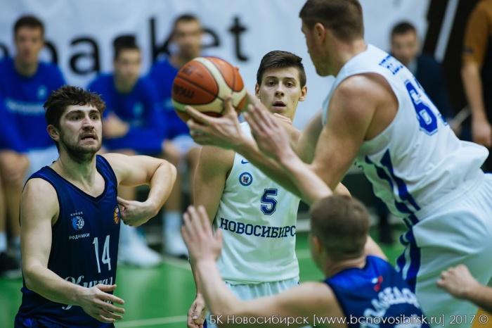 БК «Новосибирск» находится на седьмой строчке турнирной таблицы