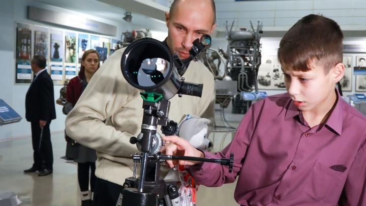 Путин подарил телескоп настойчивому красноярскому школьнику