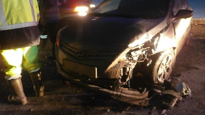 Машины разбросало по всей дороге: на трассе Пермь — Екатеринбург произошла массовая авария