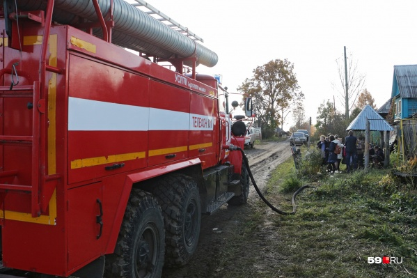 В Кизеле продолжают выяснять причины пожара, на котором погибли три человека
