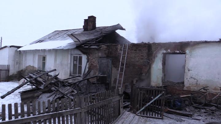 Дома многодетных семей оборудуют противопожарными устройствами после гибели детей