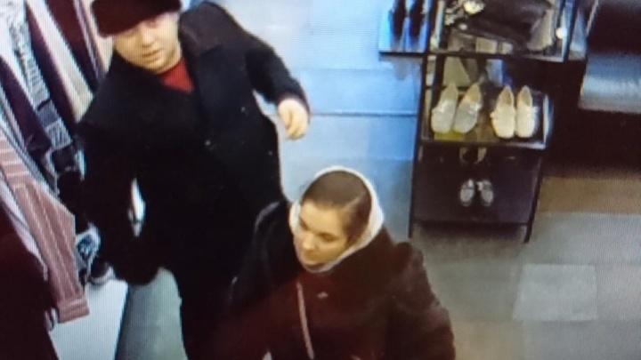 В одном из магазинов ТРЦ «Гринвич» клиент украл у продавцаiPhone X