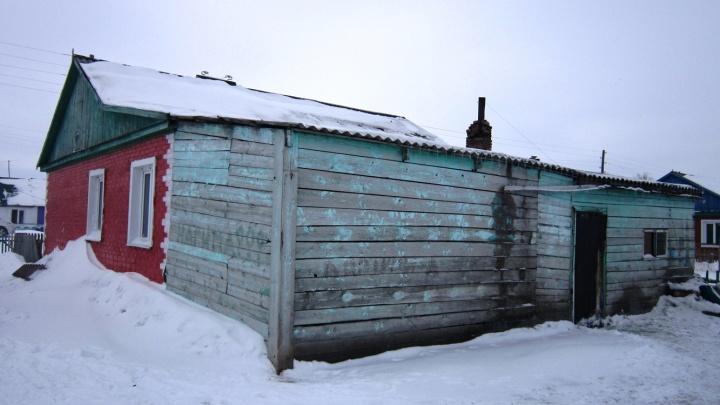 В Омской области соседи помогли спасти из огня пятилетнего мальчика и его бабушку