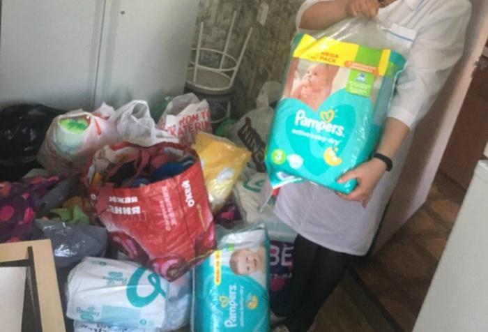 Вещи, собранные медсестрой, передали в Дом малютки в Ревде