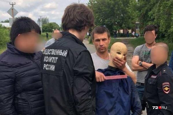 29 июня подозреваемый давал показания на месте преступления