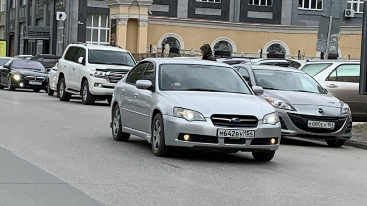 А где руль: каждая третья «японка» ездит по Новосибирску с правым рулём