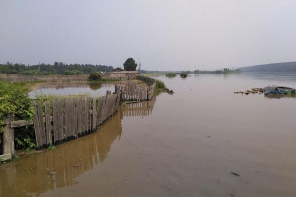 В Абанском районе вода продолжает прибывать