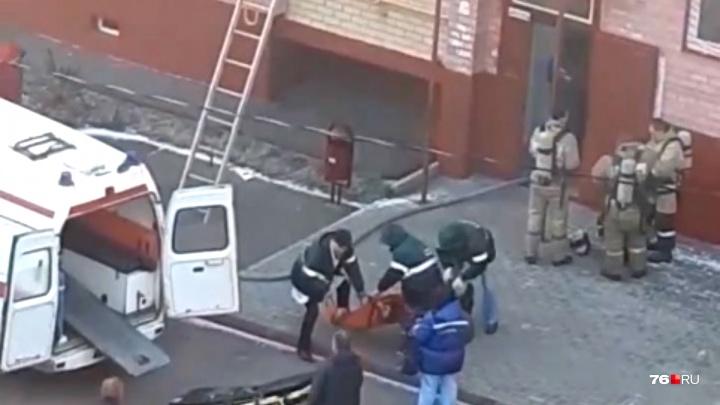 В квартире в Брагино сгорел мужчина. Его жена и сын в больнице
