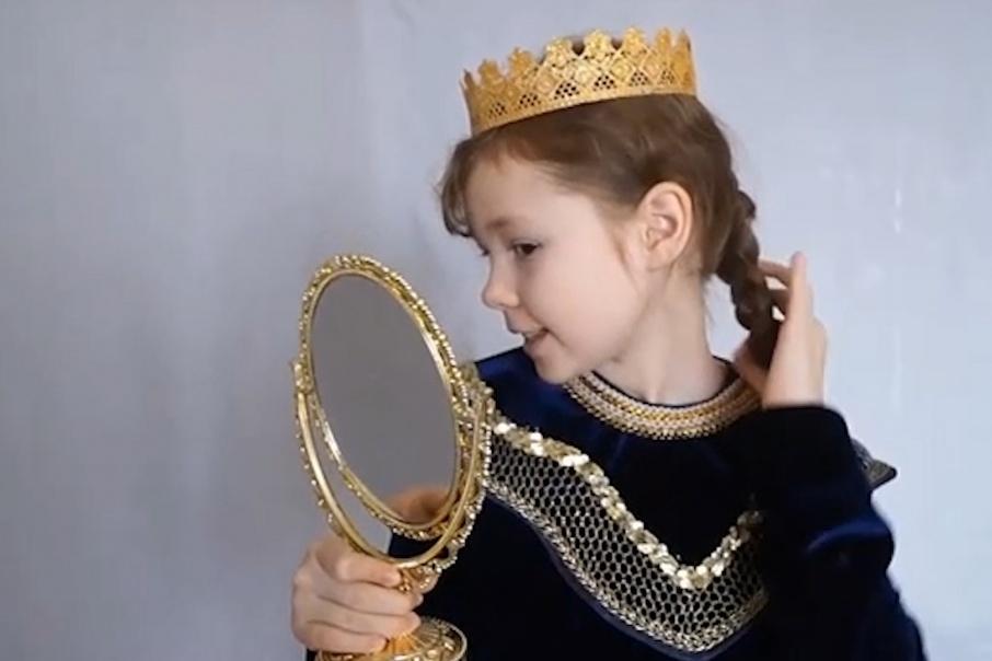 10-летняя девочка сыграла роль царицы из сказки Пушкина