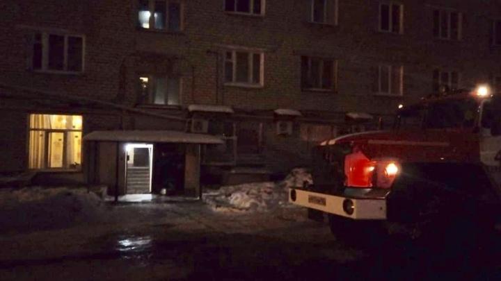 В Стерлитамаке ночью загорелась многоэтажка: эвакуировали 22 человека