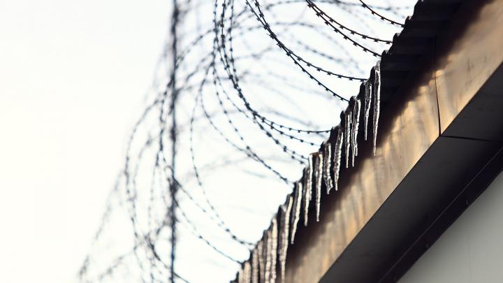 В Ростовской области заключенные напали на охранников из-за мобильных телефонов