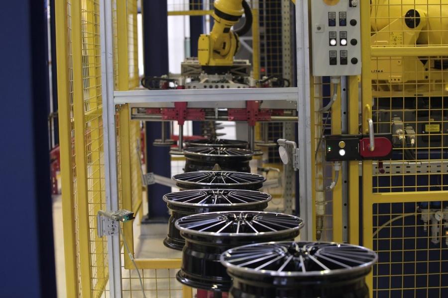 Русский завод SKAD поставляет колесные диски для компании Тоёта
