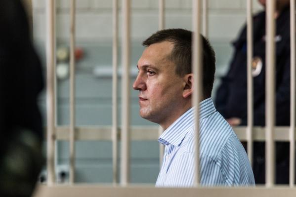 Новосибирский областной суд приговорил Анатолия Радченко к 24 годам строгого режима и штрафу в 1 миллион рублей