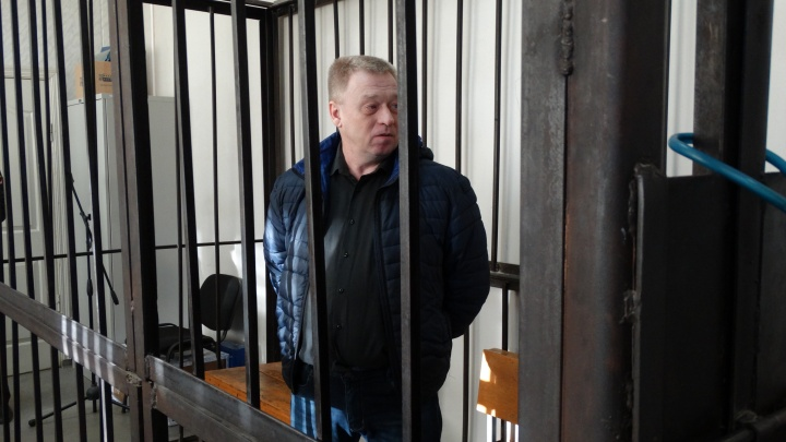Главу полиции Первоуральска, которого подозревают во взятке, отпустили из СИЗО