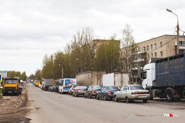 Пробки для ярославцев давно стали таким же привычным делом, как и для жителей мегаполисов