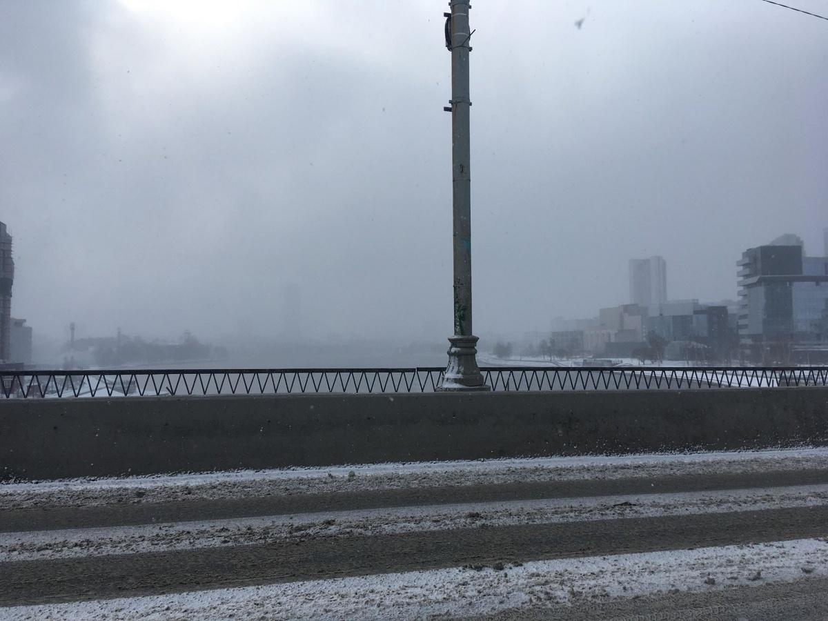 На дворе — 76 февраля: подборка заснеженных весенних улиц Екатеринбурга