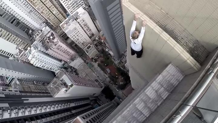На YouTube исчезнут видео с рискованными трюками и пранками, где люди опасаются за свою жизнь