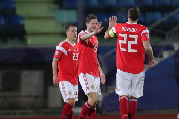 Российские футболисты завершили отборочный турнир на втором месте в группе I