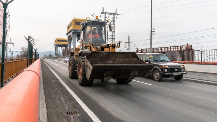 Росавтодор: «Колейность на мосту у ГЭС ликвидирует подрядчик»