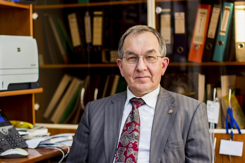 Один из ведущих российских вирусологов Сергей Нетёсов
