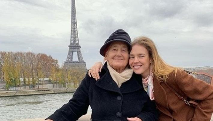 «Бабуля на седьмом небе от счастья»: Наталья Водянова поделилась трогательным снимком из Парижа