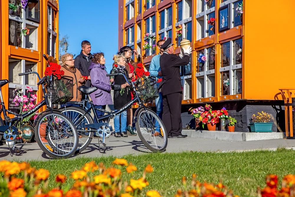В новосибирском крематории увеличен парк велосипедов