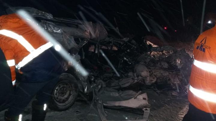 В жутком ДТП на трассе Пермь — Екатеринбург погибли два человека
