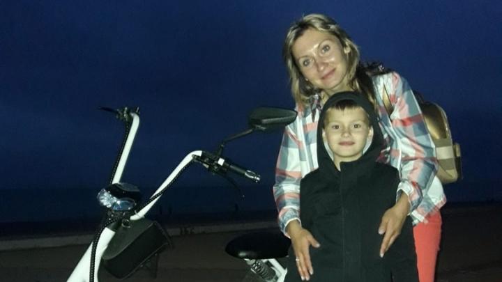 Мать 7-летнего мальчика с аутизмом обвинила врачей в халатности — её сына оставили в палате одного