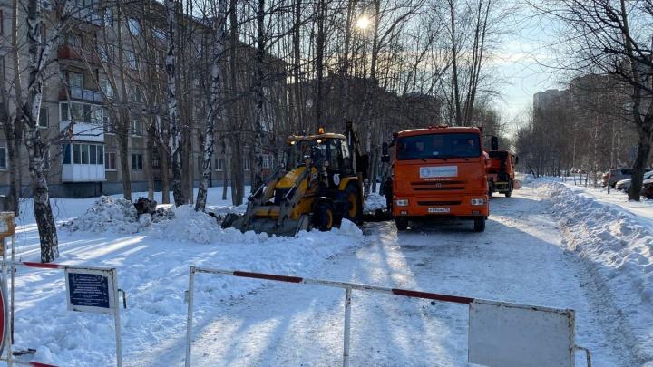 Жители многоэтажек в Ленинском округе вторые сутки сидят без воды