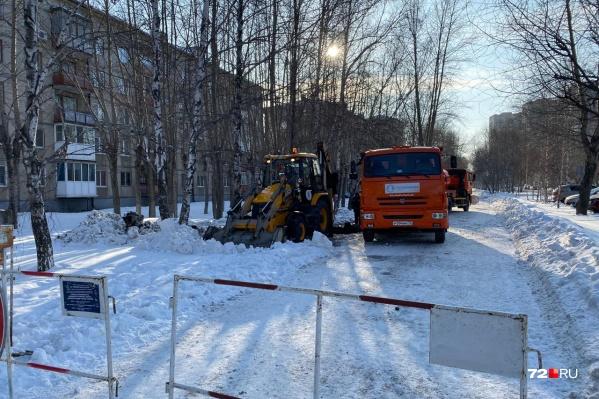 Поздно вечером, 14 февраля, подачу воды возобновили, а сегодня с утра вновь отключили на сутки