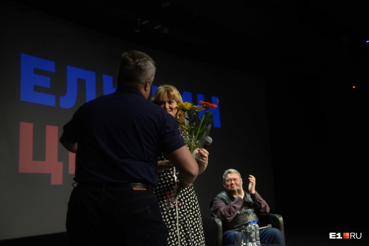 Анна Михалкова пообещала вернуться в Ельцин-центр еще раз после выхода нового фильма с ее участием