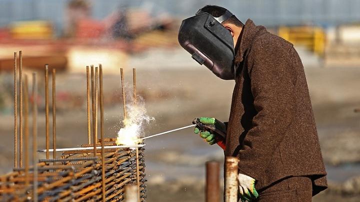 Знание китайского языка и желание переехать: за что челябинцам готовы платить большую зарплату