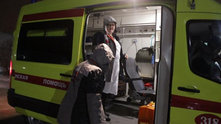 В Омске в первый день морозов на скорой помощи увезли 12 человек
