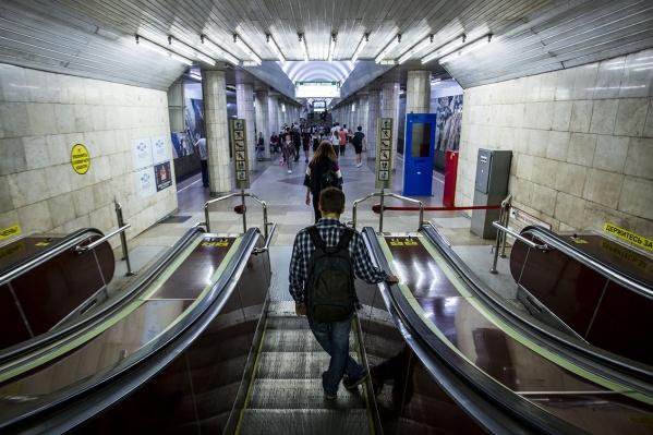В новосибирском метро сотни камер видеонаблюдения, и некоторые из них периодически выходят из строя