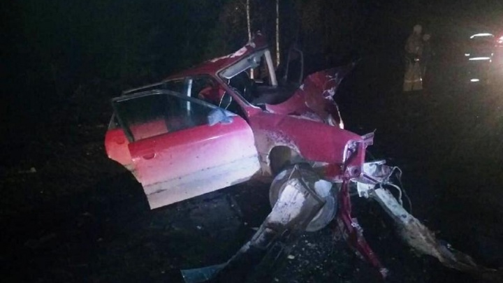 На трассе в Прикамье столкнулись две иномарки. Водитель одной из них погиб