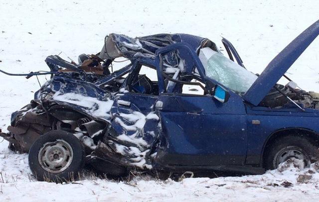 Смертельная авария: в Башкирии КАМАЗ лоб в лоб столкнулся с легковушкой