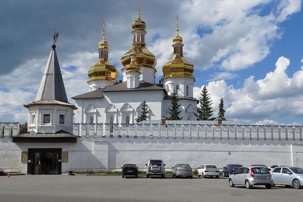 Свято-Троицкий монастырь — один из старейших в Сибири, он основан в 1616 году