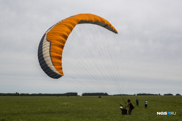 Полетать с инструктором могут и взрослые, и дети