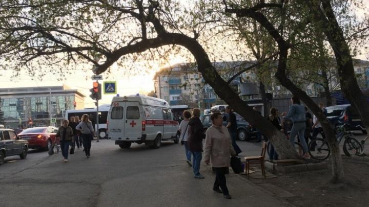 В Уфе «Нива» протаранила киоск: пострадали люди