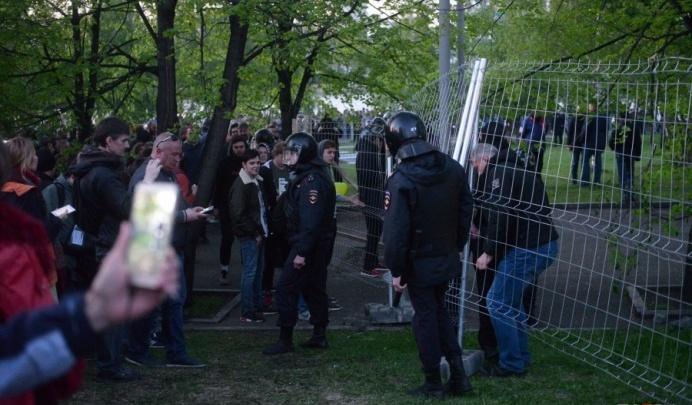 «Я хотел накормить голодных»: по делу о протестах в сквере на допрос вызвали владельца чебуречной