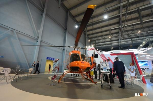 Это первый медицинский вертолёт, который собрал Уральский завод гражданской авиации