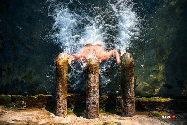 В Ростове-на-Дону святую воду давали сразу из трех кранов