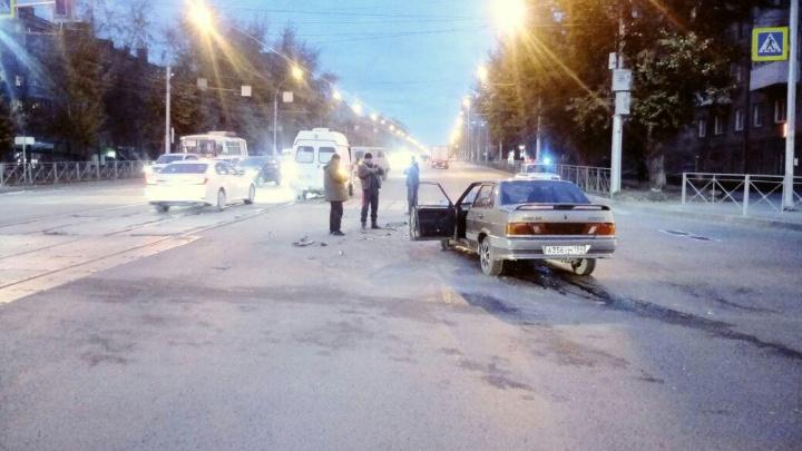 ВАЗ въехал в машину «скорой помощи», которая везла пациента с инфарктом