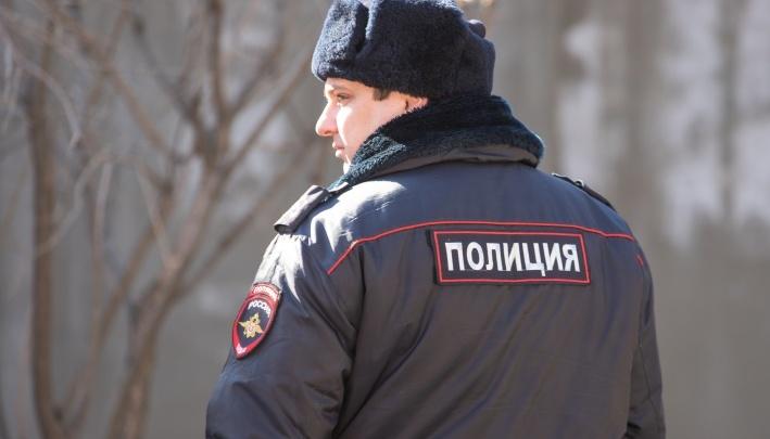 В Ростовской области полицейские во время погони стреляли по колесам автомобиля