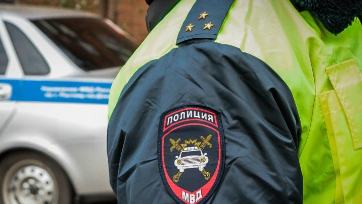 В Матвеево-Курганском районе мужчина угнал служебный автомобиль и попал на нем в ДТП