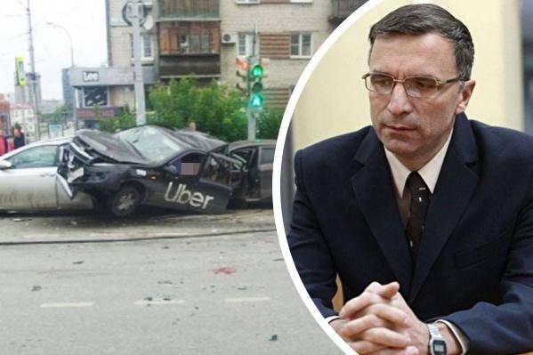 Дмитрий Челноков говорит, что он не должен был находиться в кабинете во время забора мочи у виновника ДТП