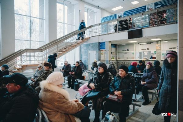 На сегоднящний день в банке вакансий 21 тысяча предложений для безработных. Почти половина из них — работа в Тюмени
