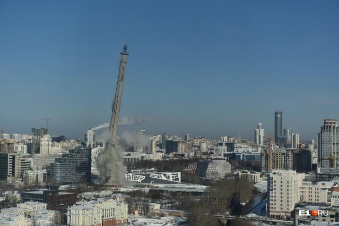 Так башня падала под прицелом тысяч видеокамер