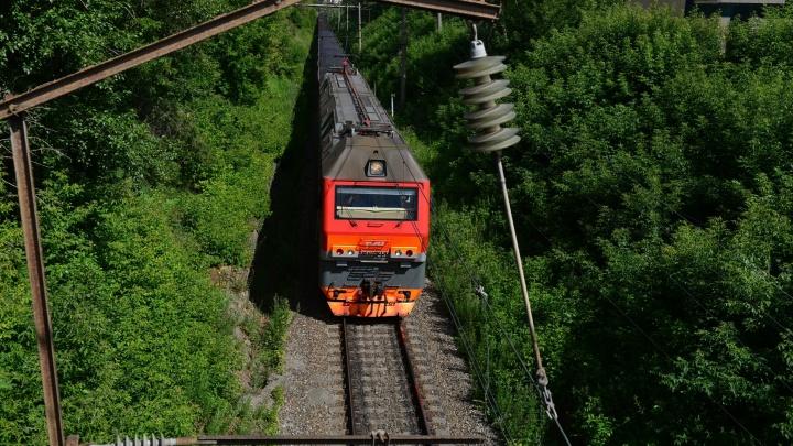 Полицейские поймали подростков из Талицы и Камышлова, насыпавших щебень на железнодорожные пути